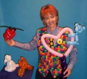 Hire a Balloon Artist. Magician Puppeteer In Cook County, IL. DuPage County, IL. Magician, Clown with TWO PUPPETS - 90 mins SAME DAY